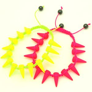 Pulsera Macrame con Spikes Neon