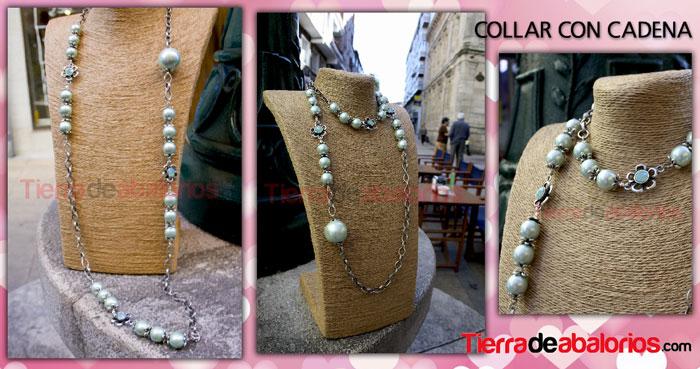 Collar con Cadenas y Perlas de Resina