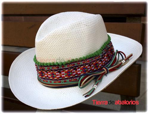 Sombrero Customizado con Madroño